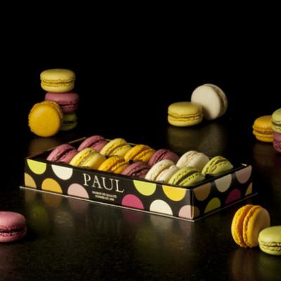 La boite de 12 mini macarons classiques
